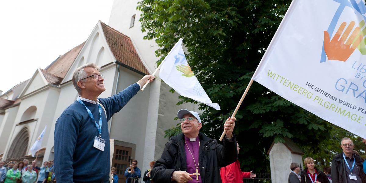 Liberated by God's Grace – Wittenberg Pilgrimage 2016. LWF General Secretary Martin Junge and LWF President at the beginning of the pilgrimage in front of the St. Nikolai Church in Coswig. Photo: LWF/Marko Schoeneberg